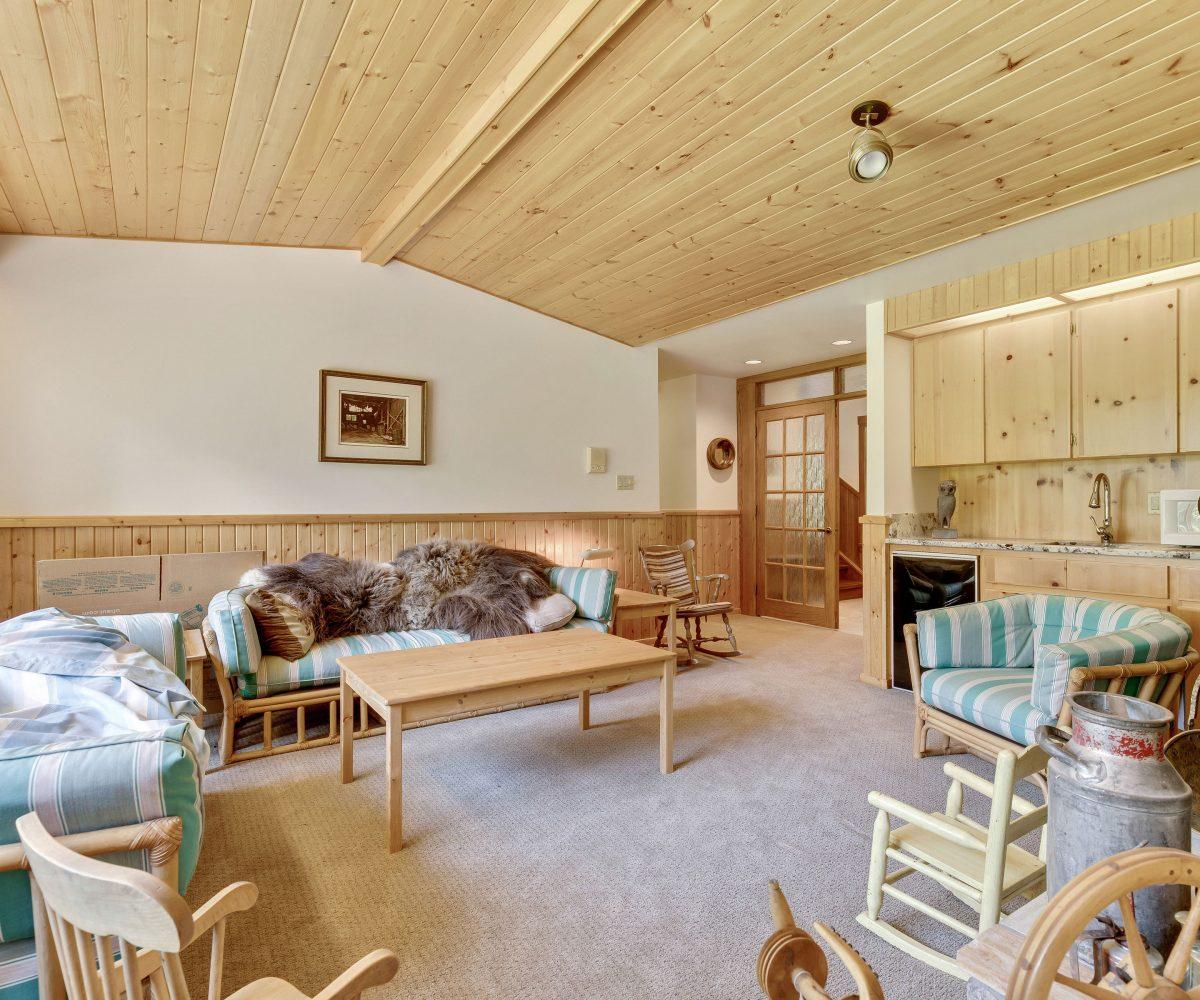 Hansen Land Brokers - Southern Alberta Acreage For Sale